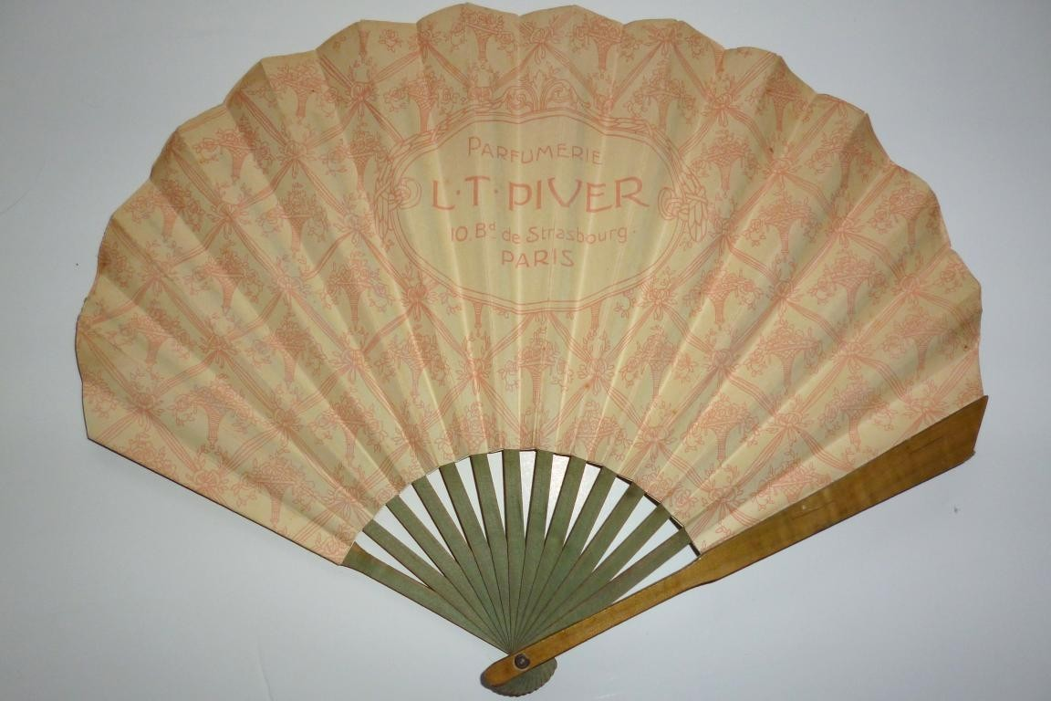 Piver, fan for the perfum Floramye