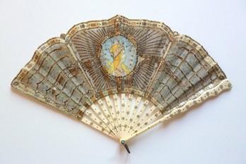 A la manière de Mucha, éventail Art Nouveau vers 1905