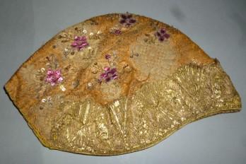 Bonnet brodé XVIIIème