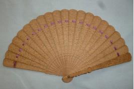 Éventail chinois en santal, XIXème siècle