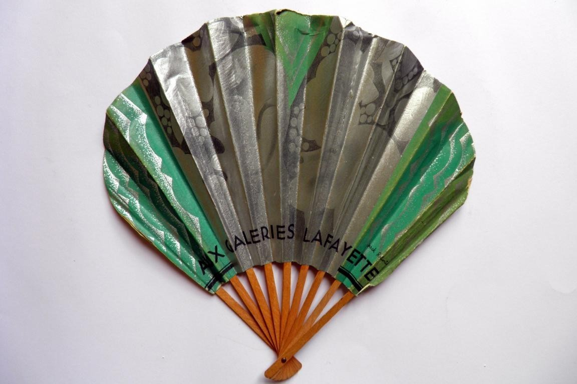 Galeries Lafayette, advertising fan circa 1930