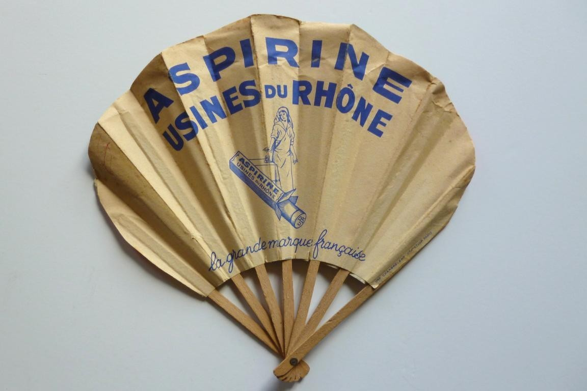 Advertising fan to Aspirine