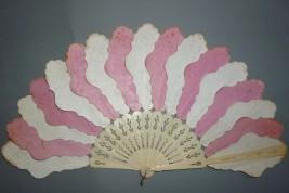 Rose et blanc, éventail palmettes vers 1850