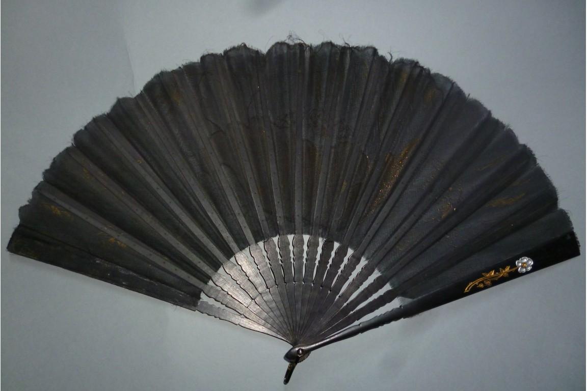 Les pavots d'or, éventail de Tutin, vers 1905