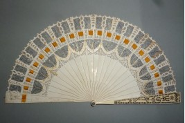 Dansons ! Éventail carnet de bal, vers 1825-30