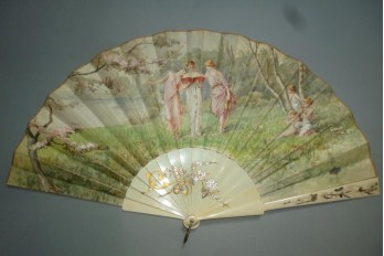 The Three Graces, fan of the Belle Époque