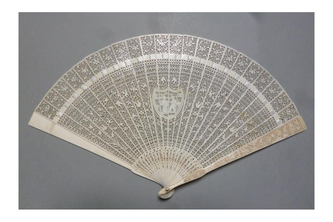 Ivory lace, chinese fan, 19th century