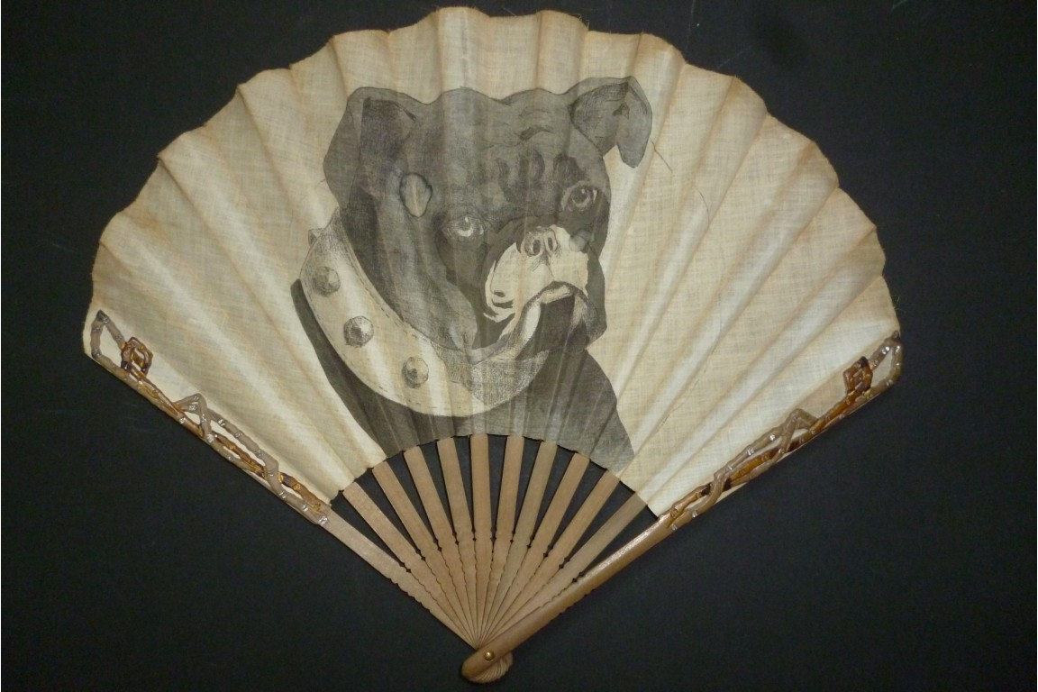 Bulldog, fan by Duvelleroy circa 1905-1910