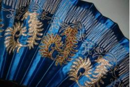 Broderies persanes, éventail de mode vers 1865