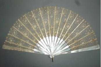 Suns of Tenerife, lace fan Nanduti, late 19th century