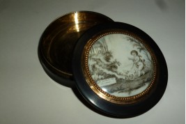 Fidelity and happyness, snuffbox, late 18 or early 19th century