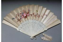 Broderies chinoises, éventail XIXème siècle