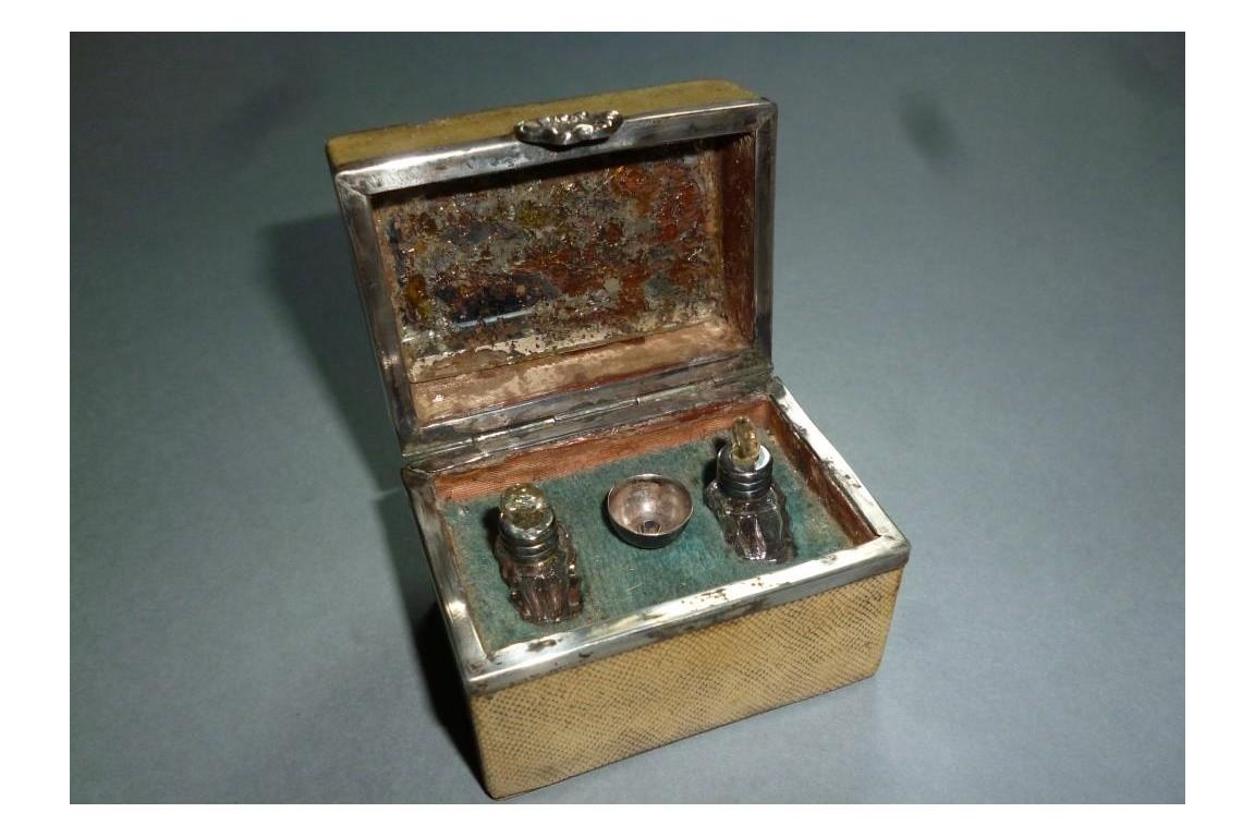 Necessaire à odeur, 18 or 19th century