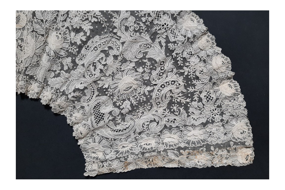 Lace and flowers, Point de Gaze fan leaf, late 19th century
