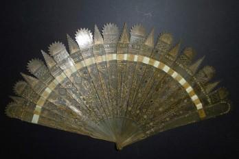 Pinacles, éventail ves 1825-30