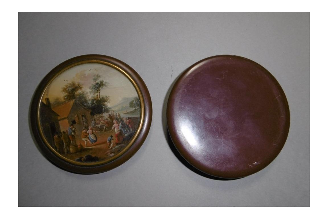Dance at the tavern, 19th century snuffbox
