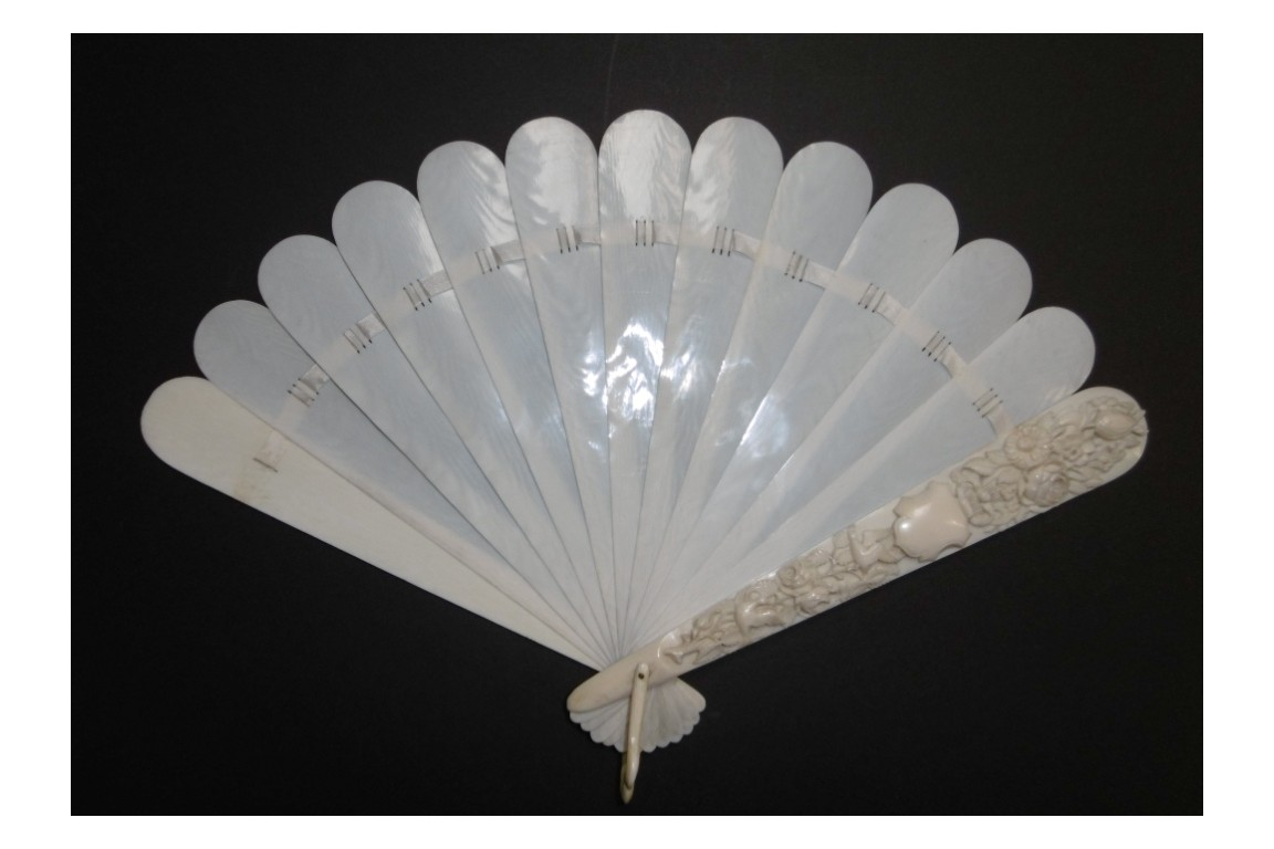 Doves and flowers, late 19th century fan