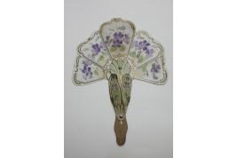 Violettes, éventail de curiosité vers 1904