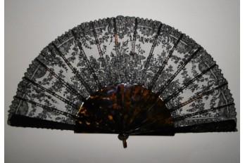 Flowers in Chantilly, lace fan, circa 1870