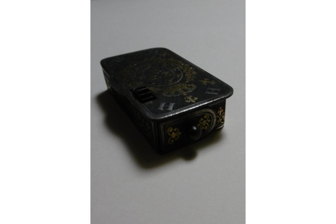 Legitimist pyrogenic lighter, Henri V, 19th century